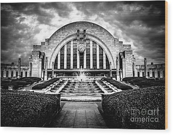 Cincinnati Museum Center Black And White Picture Wood Print by Paul Velgos
