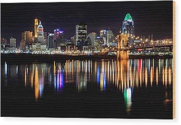 Cincinnati Skyline In Christmas Colors Wood Print