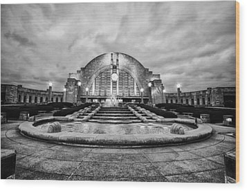 Wood Print featuring the photograph Cincinnati Union Terminal by Cathy Donohoue