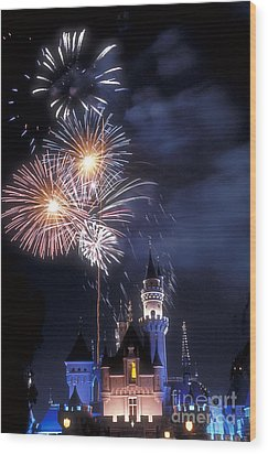 Cinderella Castle Fireworks Iconic Fairy-tale Fortress Fantasyland Wood Print by David Zanzinger