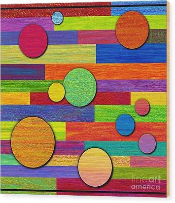 Circular Bystanders  Wood Print by David K Small