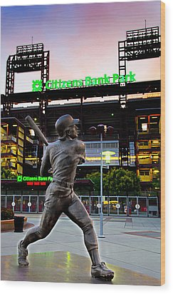 Citizens Bank Park - Mike Schmidt Statue Wood Print by Bill Cannon