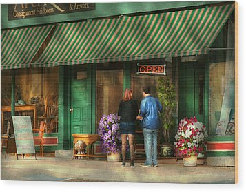 City - Canandaigua Ny - Buyers Delight Wood Print by Mike Savad