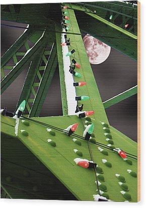 Clarence's Bridge Wood Print by Tom Romeo