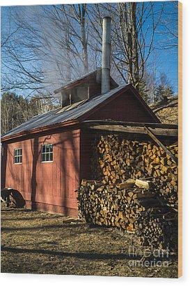 Classic Vermont Maple Sugar Shack Wood Print by Edward Fielding
