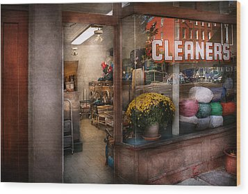 Cleaner - Ny - Chelsea - The Cleaners Wood Print by Mike Savad