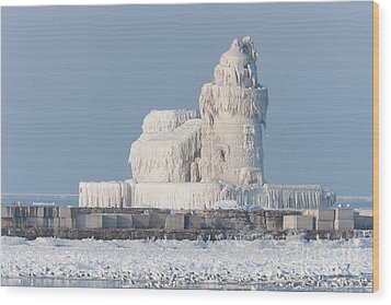 Cleveland Harbor West Pierhead Light Wood Print