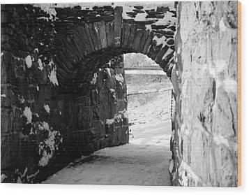 Cliff Walk Arch  Wood Print by Allan Millora