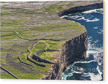 Cliffs Of Inishmoore Wood Print by Juergen Klust