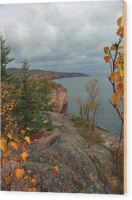 Cliffside Fall Splendor Wood Print