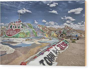Climbing Salvation Mountain Wood Print by Hugh Smith