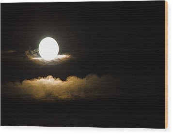 Cloud Cradle  Wood Print by Mary Ward