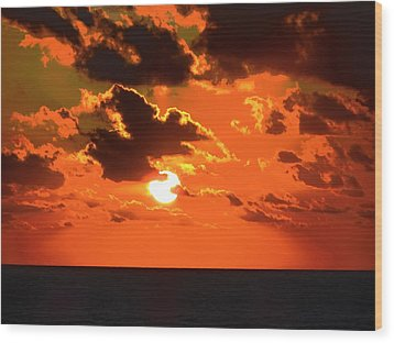 Wood Print featuring the photograph Coco Cay Sunset by Jennifer Wheatley Wolf