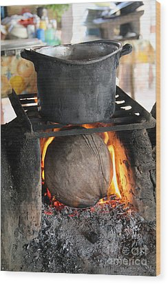 Coconut Stove Playa Paraiso Wood Print by Linda Queally
