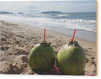 Coconuts Juice On The Beach Wood Print by Chikako Hashimoto Lichnowsky