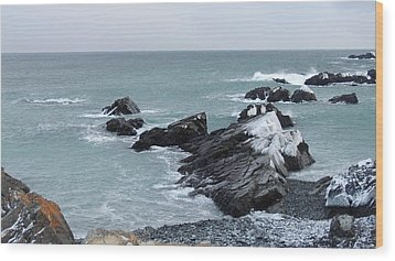 Cold Atlantic Rocks Wood Print