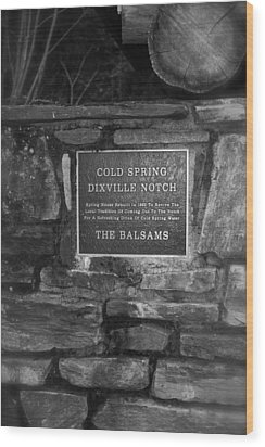 Cold Spring Of Dixville Notch Close-up Wood Print