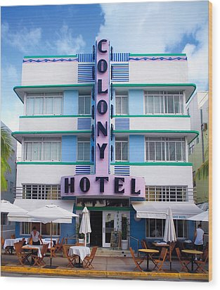 Colony Hotel Daytime Wood Print