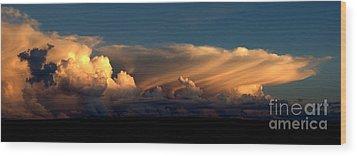 Color Cloud Nm  Wood Print by Erik Poppke