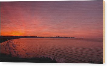 Color Spray Bay Wood Print by Aaron Bedell