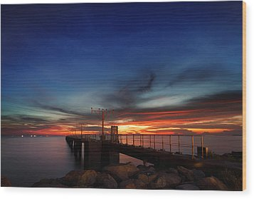 Wood Print featuring the photograph Colorful Sunset At Hong Kong Airport by Afrison Ma