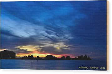 Wood Print featuring the photograph Colorful Sunset by Richard Zentner