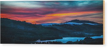 Colorful Twilight Panorama Wood Print by Mike Lee