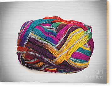 Colorful Yarn Wood Print by Les Palenik