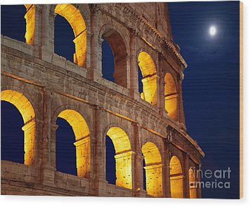 Colosseum And Moon Wood Print by Inge Johnsson