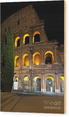 Wood Print featuring the photograph Colosseum by Francesco Emanuele Carucci
