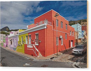 colourful buildings in Bo-Kaap Wood Print by Juergen Ritterbach