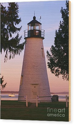 Concord Point Lighthouse Wood Print by Mark  Wall