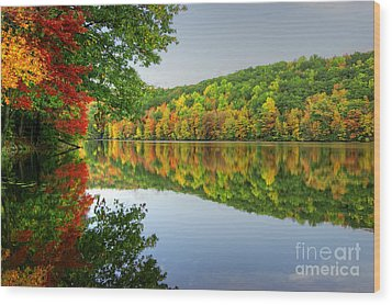 Connecticut River In Autumn Wood Print