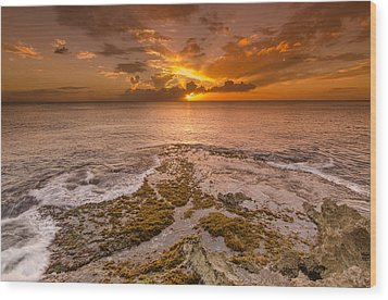 Coral Island Sunset Wood Print