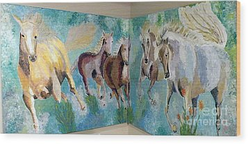 Corner Horses Wood Print