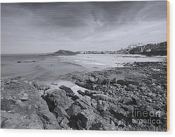 Cornwall Coastline 2 Wood Print by Doug Wilton