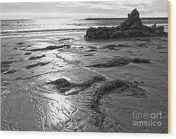 Corona Del Mar Coast - Black And Awhite Wood Print by Gregory Dyer