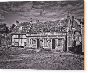Wood Print featuring the photograph Cottages Devizes -1 by Paul Gulliver