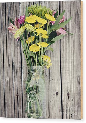 Country Bouquet Wood Print