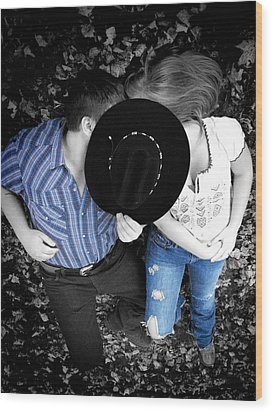 Country Kissin Wood Print