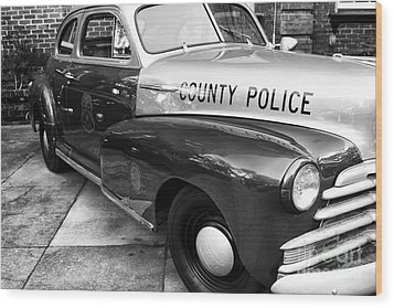 County Police In Black And White Wood Print by John Rizzuto