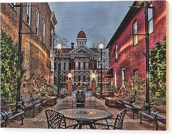 Courtyard Courthouse Wood Print