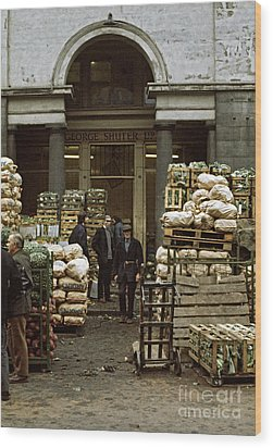 Covent Garden Market London 1973 Wood Print by David Davies