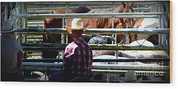 Cowboys Corral Wood Print by Susan Garren