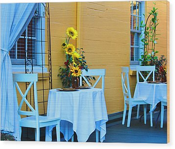 Cozy Table For Two Wood Print by Cynthia Guinn