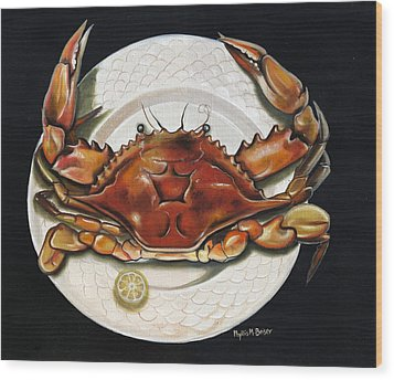 Crab  On Plate Wood Print by Phyllis Beiser