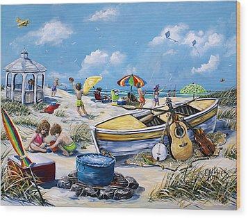 Crab Pickin Wood Print by Gail Butler