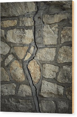 Cracked Wall Wood Print by Les Cunliffe