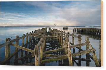 Wood Print featuring the photograph Craigendoran Pier by Stephen Taylor
