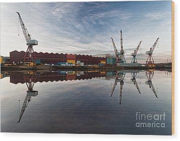 Cranes On The Clyde  Wood Print by John Farnan